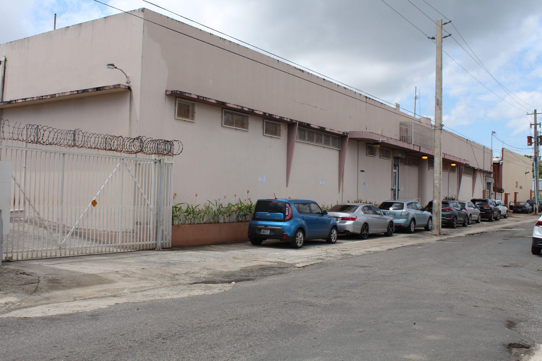 Call Carolina 513. Hato Rey San Juan, PR 00918